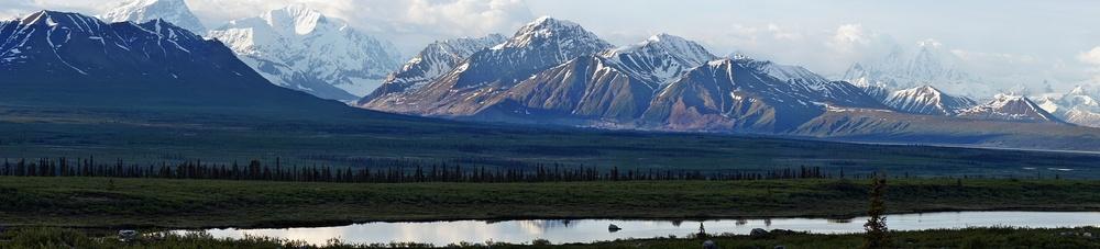 řeka a pohoří