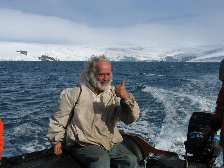 Jaroslav Pavlíček na své polární stanici Nelson na Antarktidě.